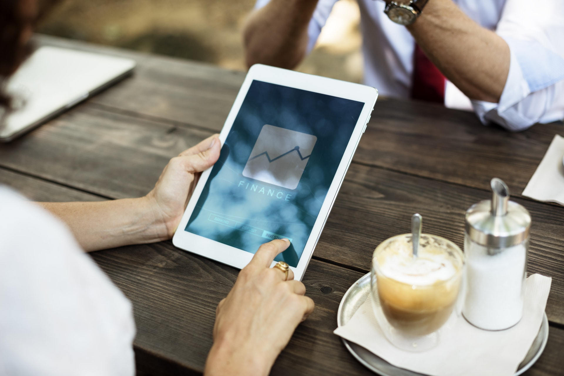 Guide to going digital for financial services firms